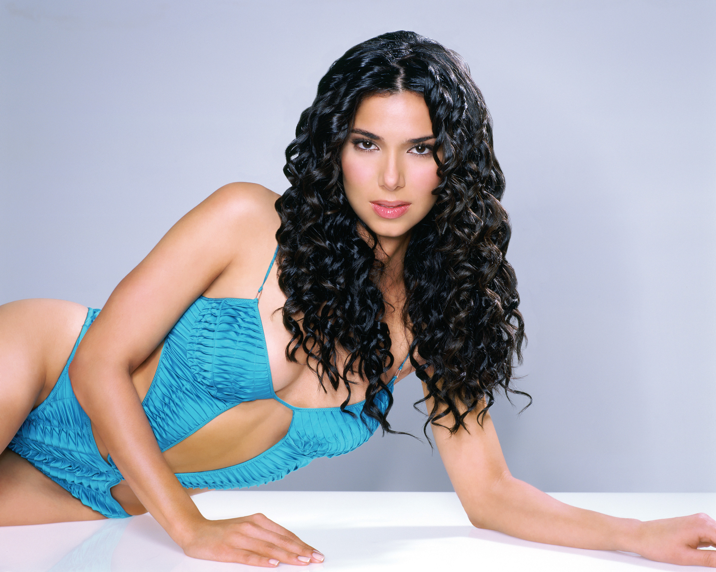 Roselyn Sanchez curly